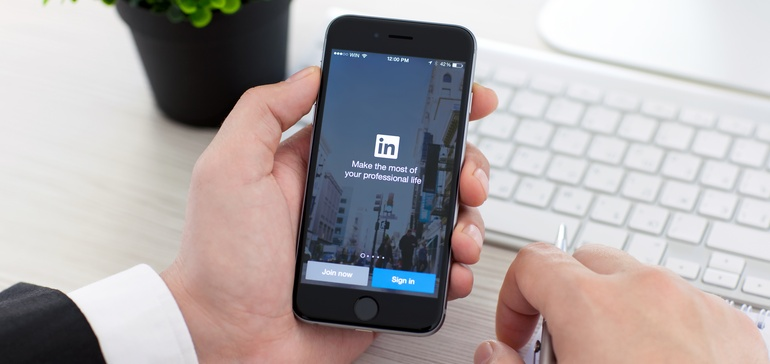 10 Tips to Boost Your LinkedIn Presence in 2021